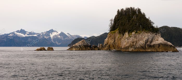 Rocky Buttes Mountain Range Gulf od Alaska North Pacific Ocean