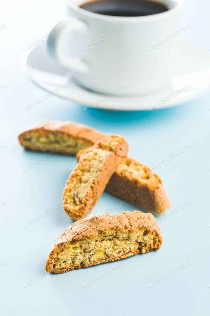 Süße Cantuccini-Kekse. Italienische Biscotti.