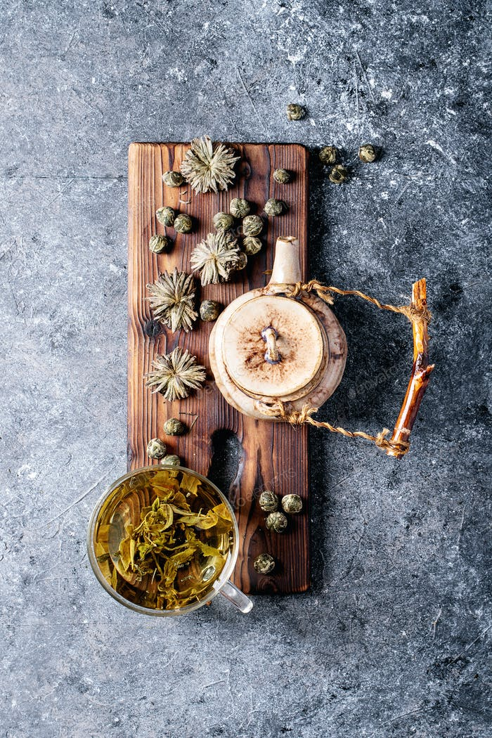 Green tea with ceramic teapot