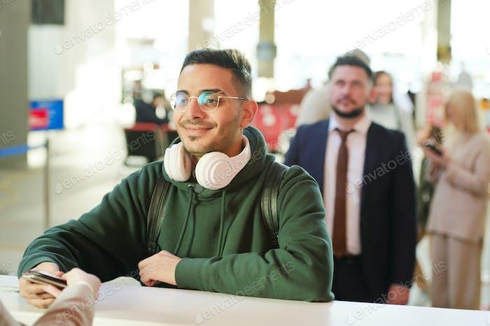 Hombre en el registro