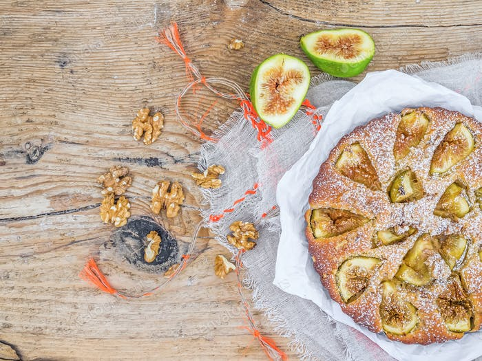 Fig cake with figs