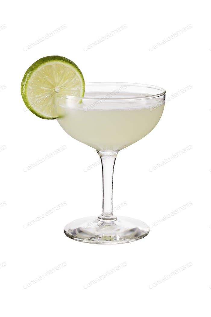Erfrischender Vodka Gimlet Cocktail auf Weiß