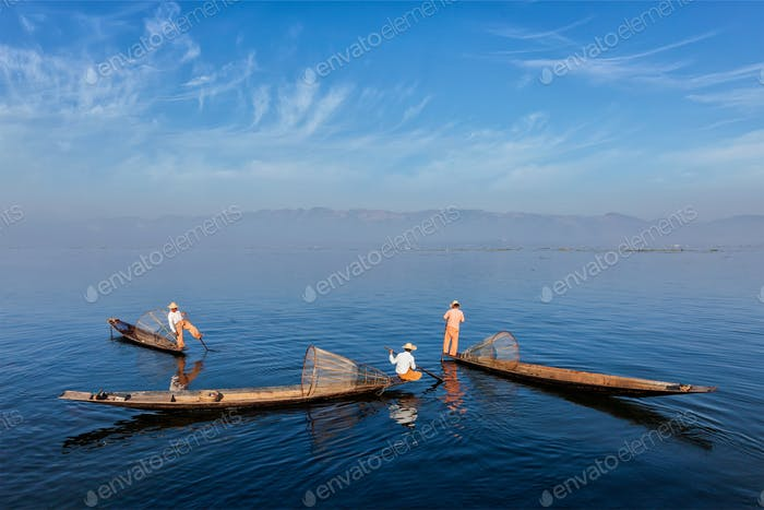 Traditioneller burmesischer Fischer am Inle-See, Myanmar