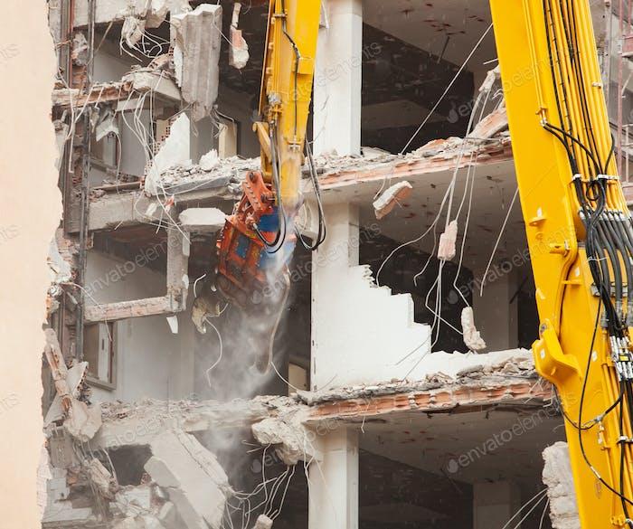 Abriss eines Gebäudes für Neubau.