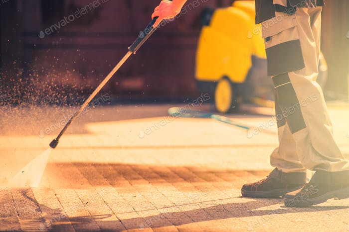 Roadway Brick Cleaning