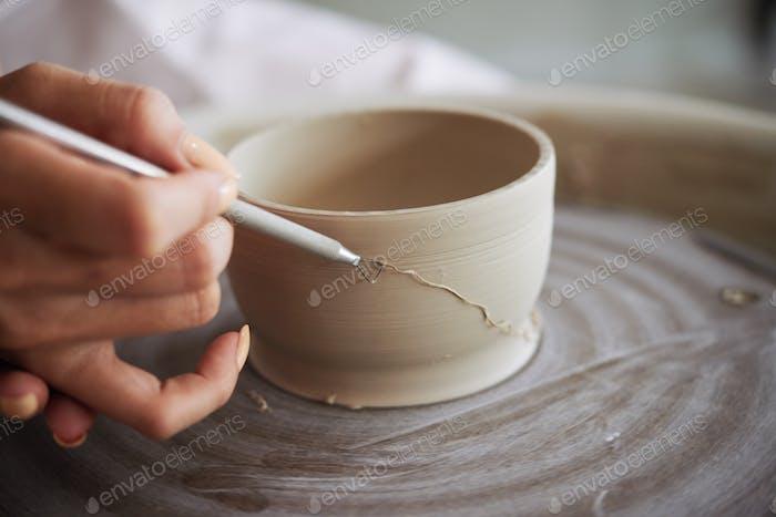 Potter Using Ribbon Tool