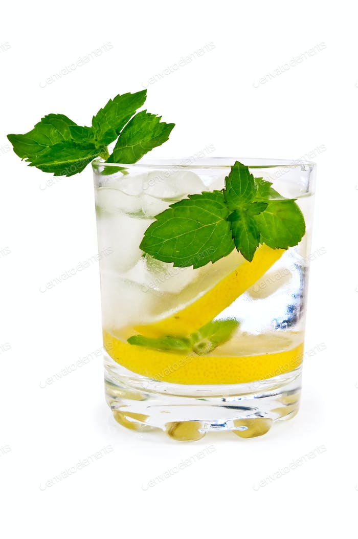 Ice water lemon and mint