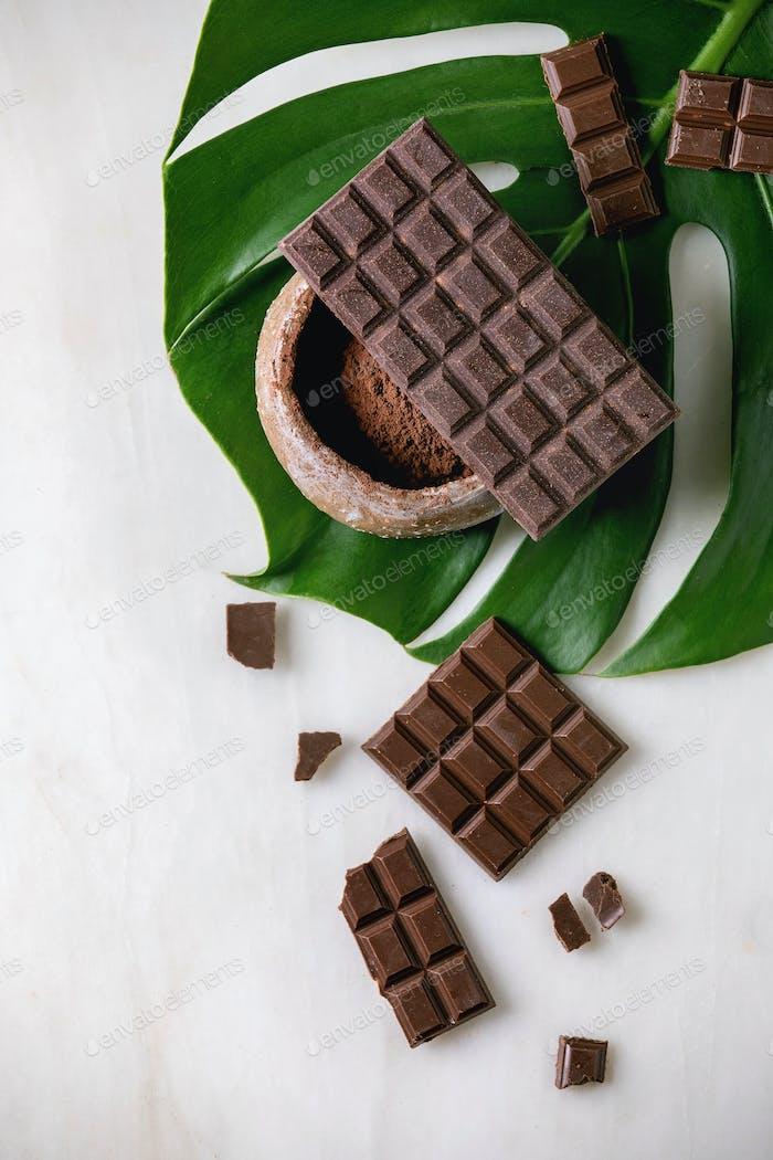 Dunkle Schokolade mit Kakao