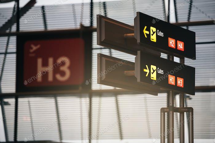 Anzeige der Tore des Flughafen