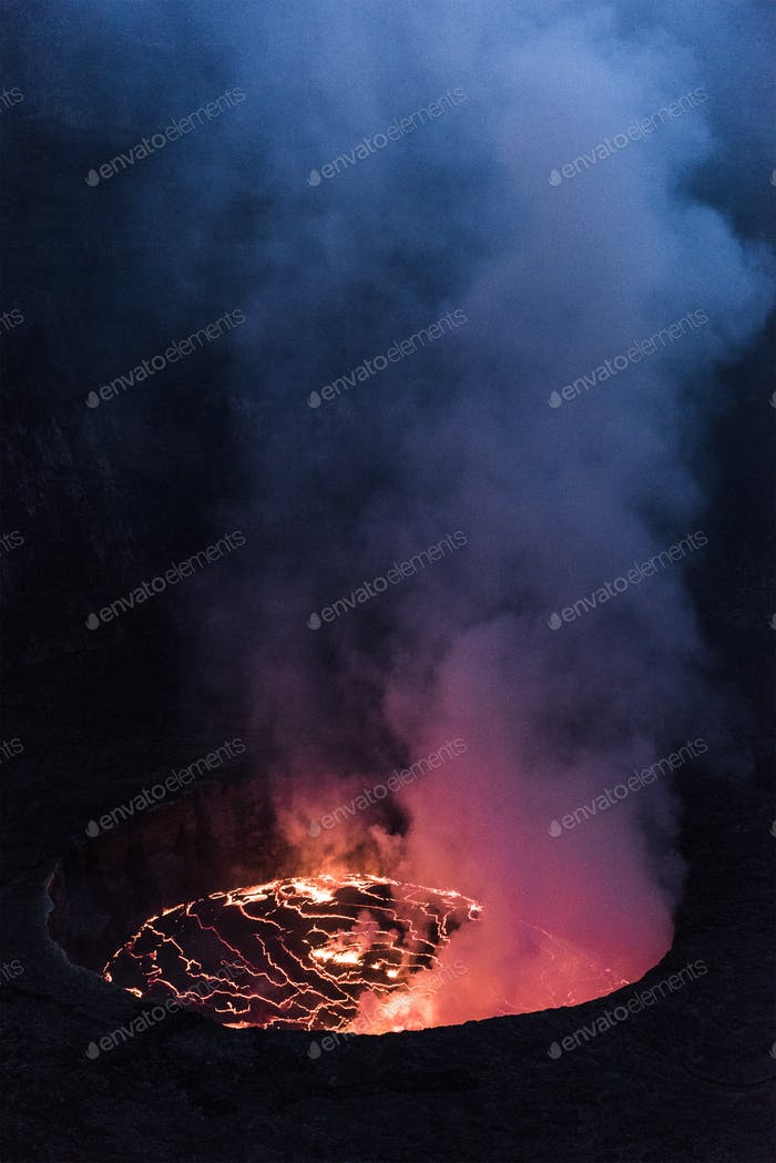 Vulkan nyiragongo in Eruption
