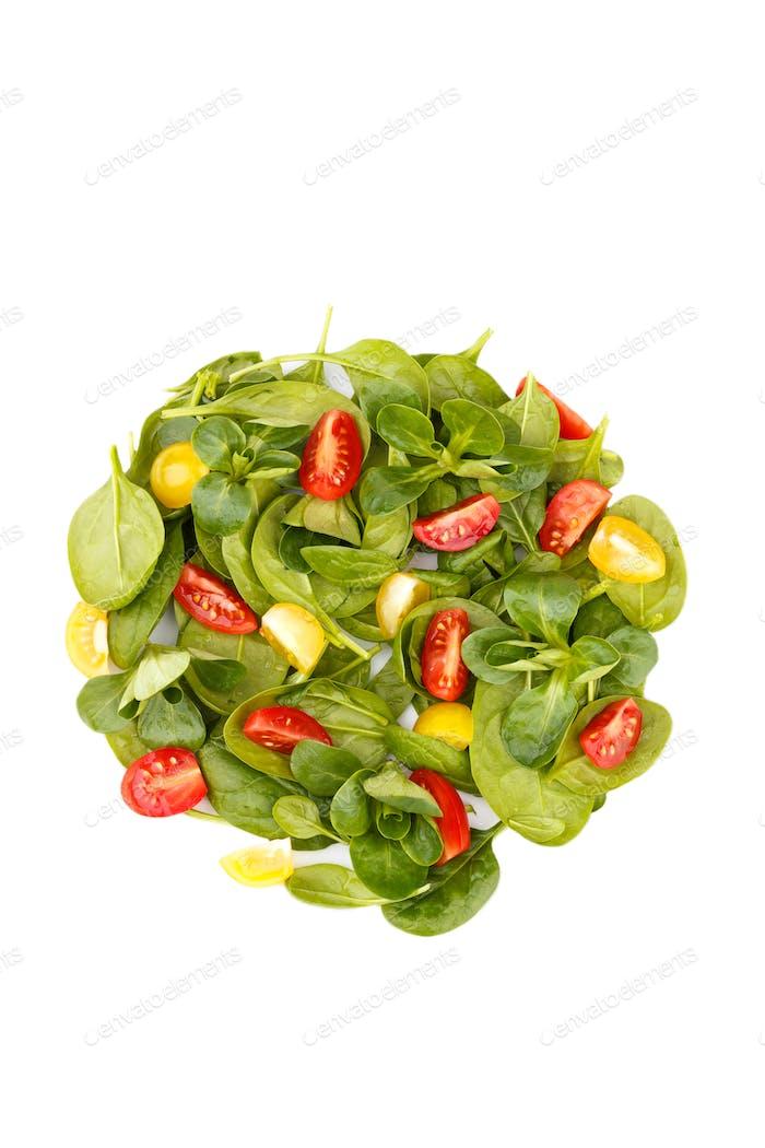 Salade de tomates et de cerises aux épinards
