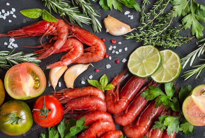 Raw shrimps with tomatoes,  lime and herbs
