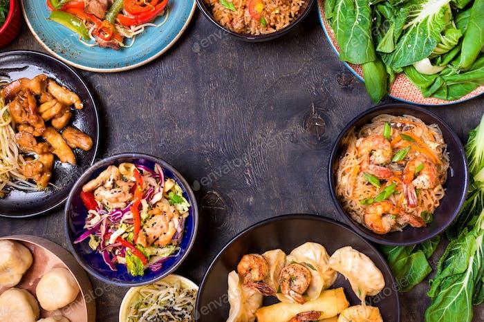 Chinesisches Essen schwarzer Hintergrund