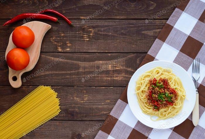 Spaghetti Bolognese with chili