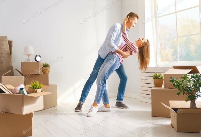 couple moving to new apartment