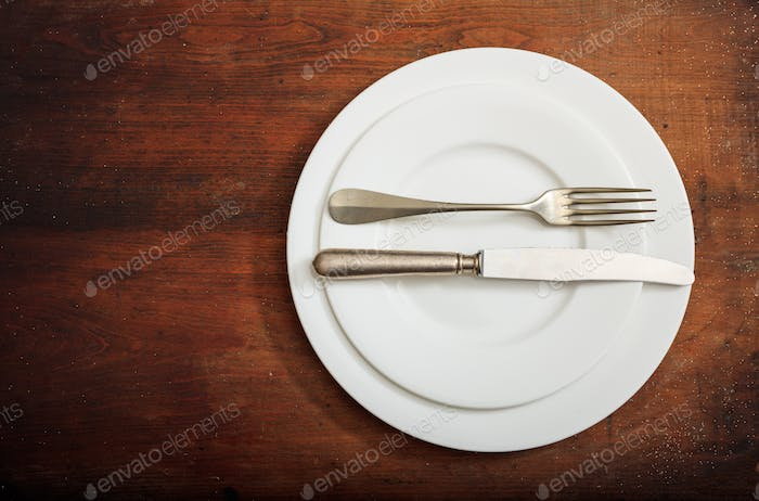 Place Setting, excellent signal on wooden background