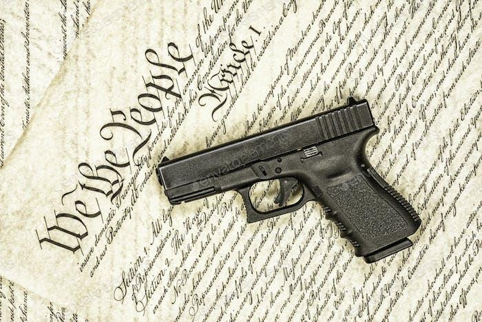 Constitución de los Estados Unidos y derechos de Arma