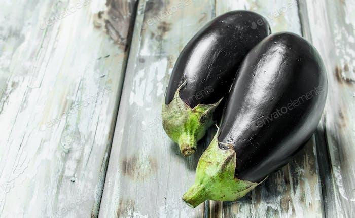 Ripe eggplants are shiny.