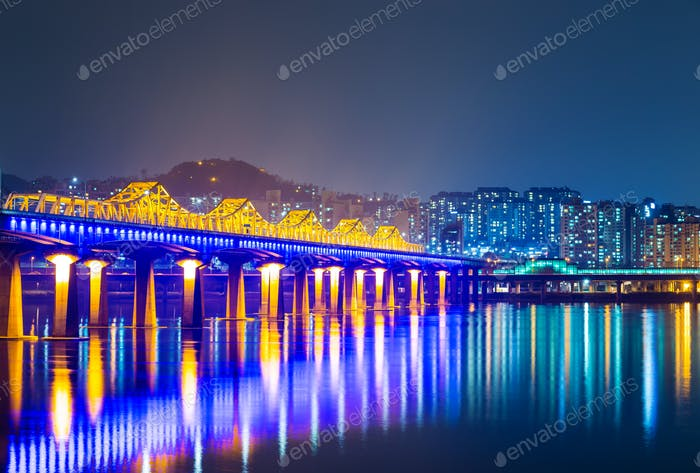 Bridge across han river in Seoul