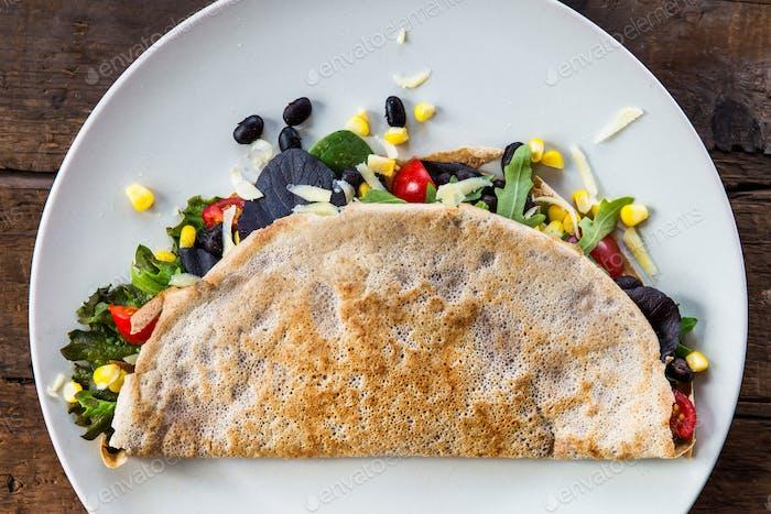 Herzhafte Buchweizen-Pfannkuchen oder Quesadilla