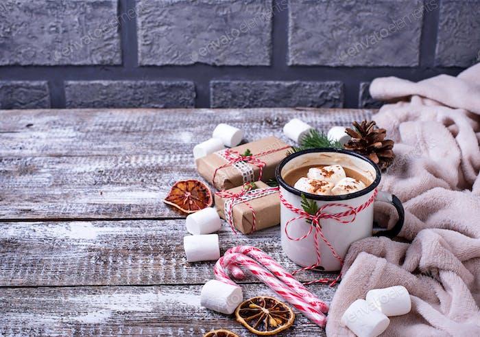 Hausgemachte heiße Schokolade oder Kakaogetränk