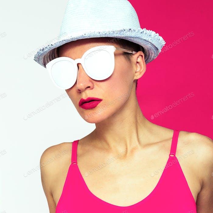 Model Pop art style Beach Fitness Minimal