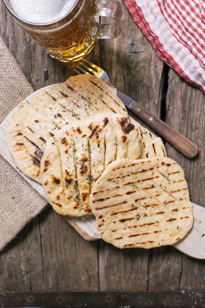 Flatbreads with garlic and herbs