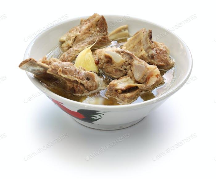 singare bak kut teh, würzige Schweinerippsuppe