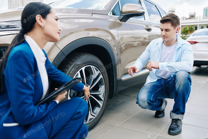 Discussing alloy wheels
