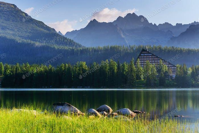 Fantastische Shtrbske Pleso Hohe Tatra. Slowakei, Europa