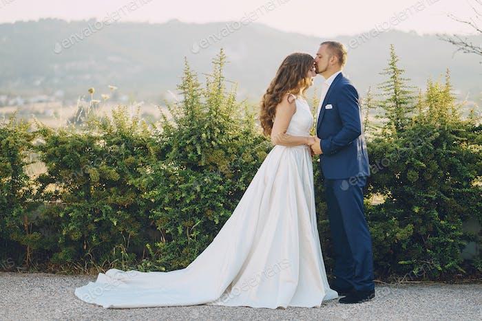 Bräutigam in der Natur
