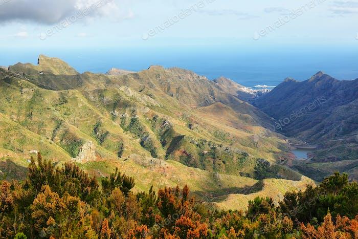 """Landschaft aus der Sicht von """"Llano de los Loros"""" auf der Insel Teneriffa"""