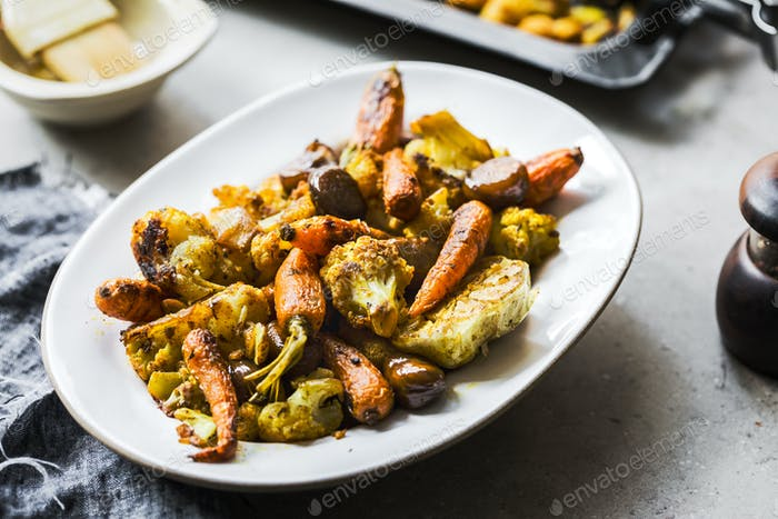 Roasted Cauliflower, Baby Carrot and Chestnut with Turmeric,Pepper and Garlic