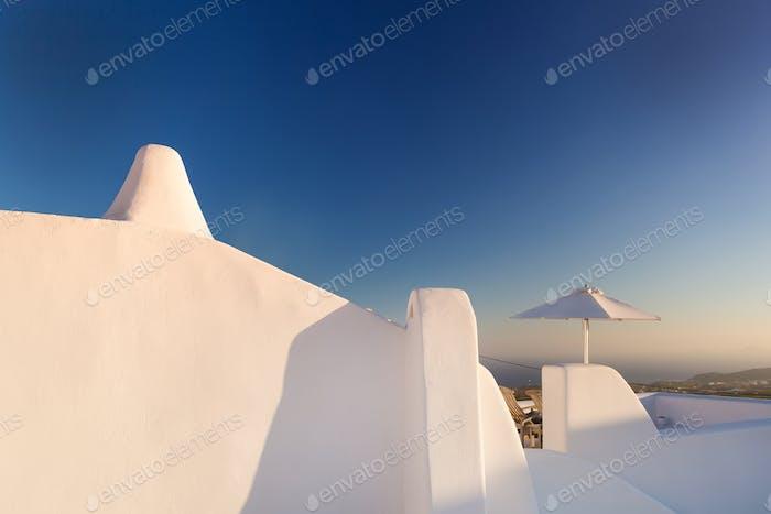 Weiße Wände der Insel Santorin, Griechenland