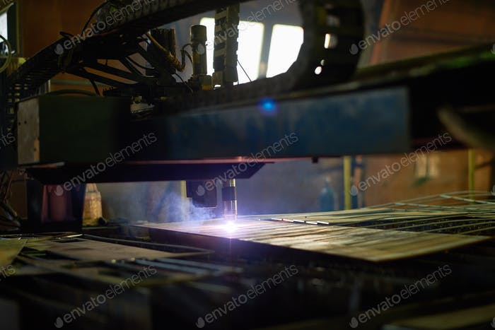 Metal-Cutting Laser