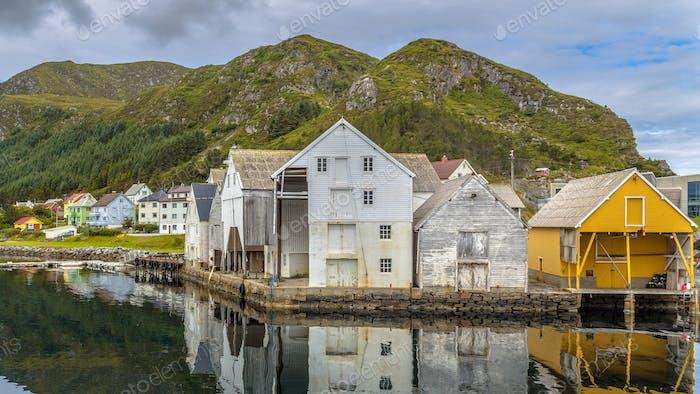 Alte Holzlager im Hafen der Insel Runde