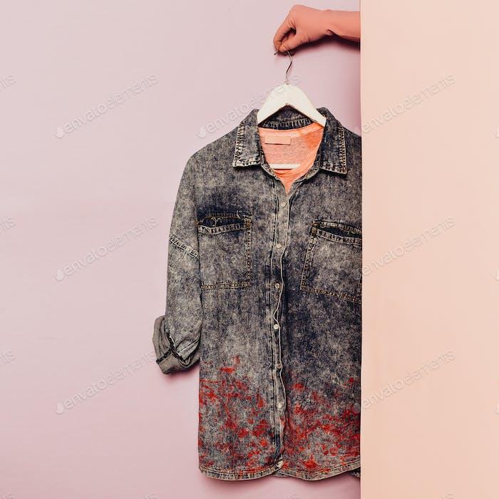 Jeanshemd Stilvolle Kleidung. Garderobe Ideen Trend hipster outfi