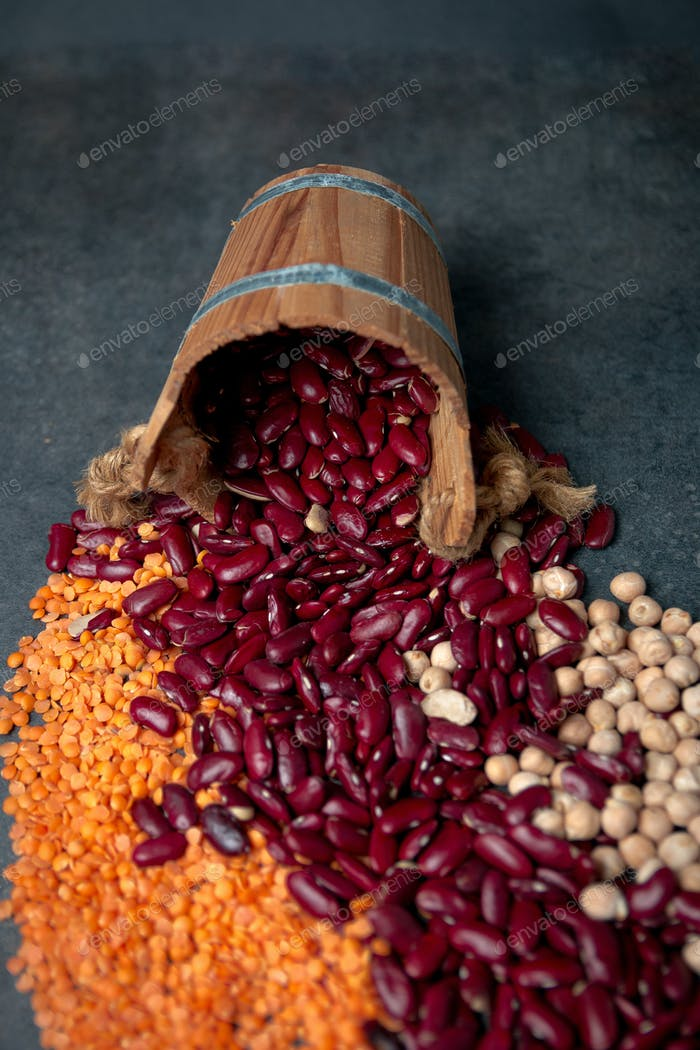 Group of beans, lentils and chick-pea