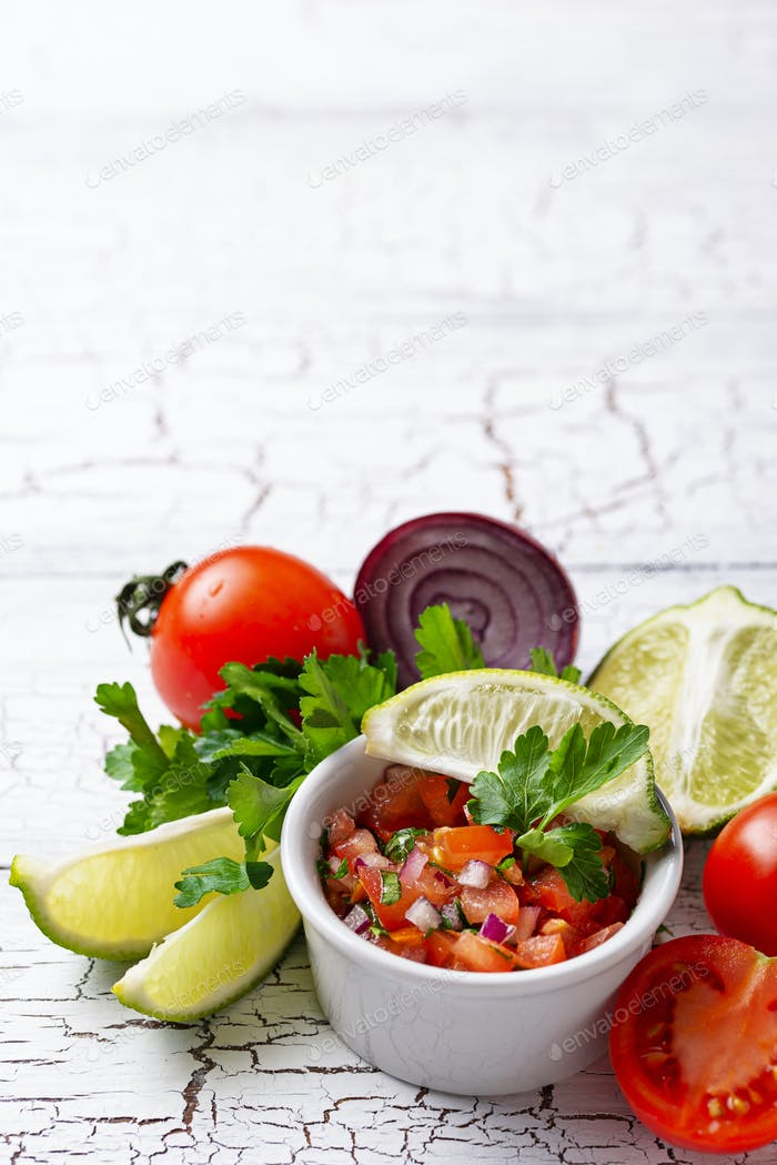 Traditionelle mexikanische Tomaten-Salsa-Sauce
