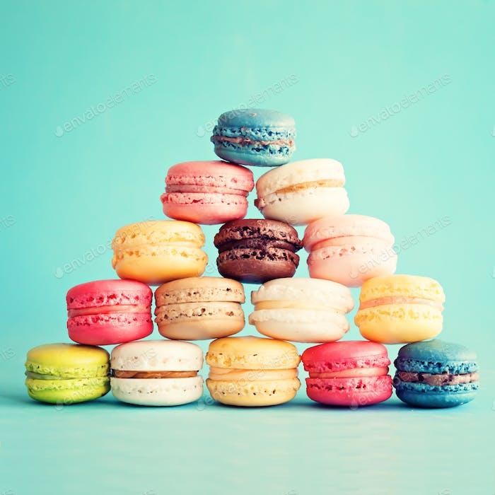 Macarons, Französisch und bunt