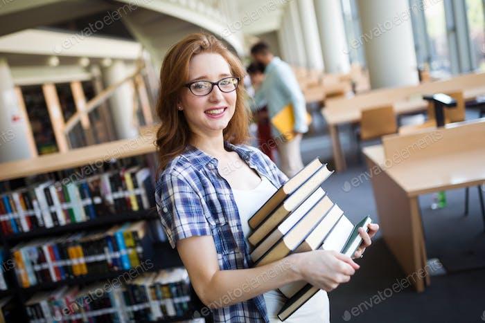 Buchliebhaber bereit, hart zu studieren