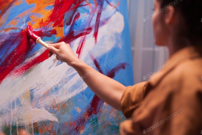 Pincel sobre lienzo