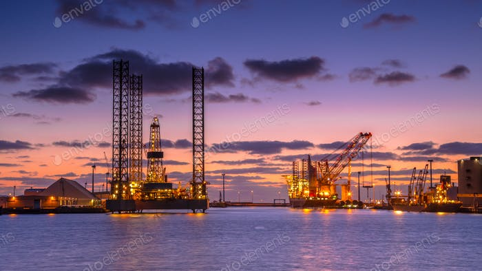 Oil drilling rig construction site
