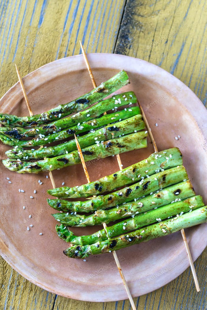 Grilled asparagus rafts with sesame seeds