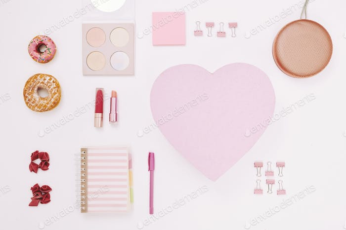 Cosmetics and notepads for women