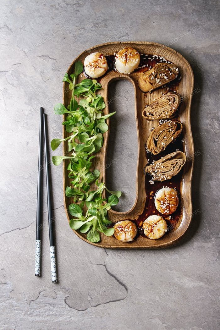 Asian style fried scallops
