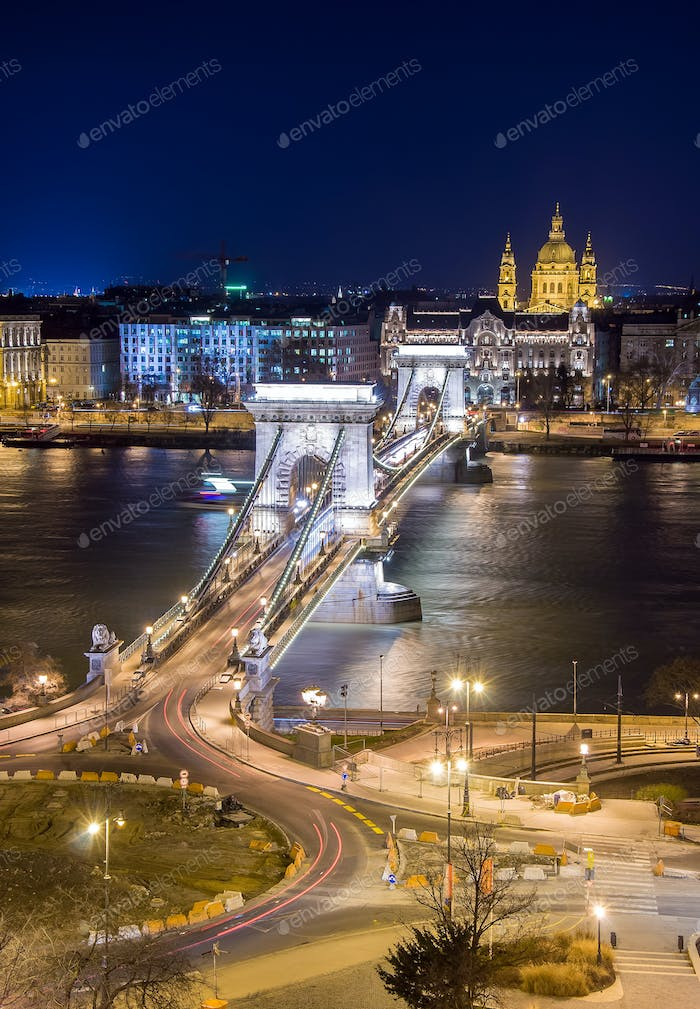 Night View of the Chain Bridge and church St. Stephen's Basilica