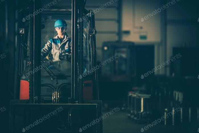 Warehouse Gabelstapler Operator