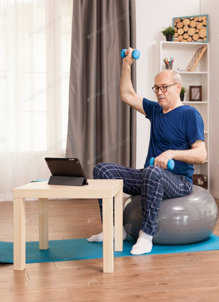 Doing muscle recovery exercising