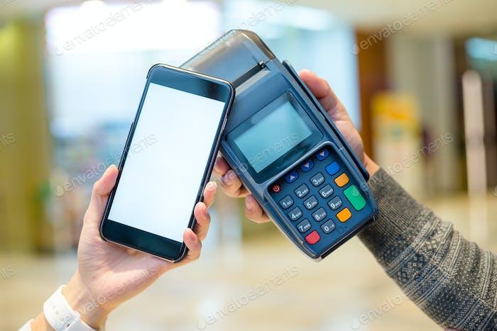 Mobiles Bezahlen mit NFC-Nahfeldkommunikationstechnologie